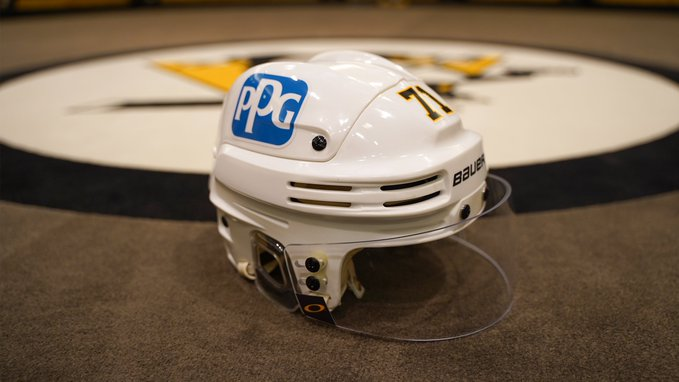 Les Penguins affichent le logo de leur commanditaire PPG